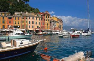 yachts-in-the-italian-mediterranean-coast-known-as-cinque-terre-giancarlo-liguori